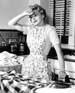 overwhelmed-mom-1950s.jpg
